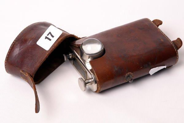 1017: WW2 Morse lamp 'The Orilux' in original leather p