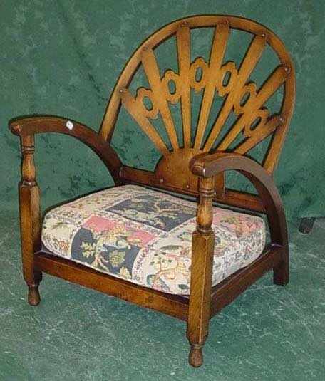 1619: 1930s fan shaped nursing chair with upholstered s