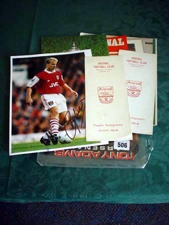 3506: Quantity of Arsenal memorabilia to include Tony A