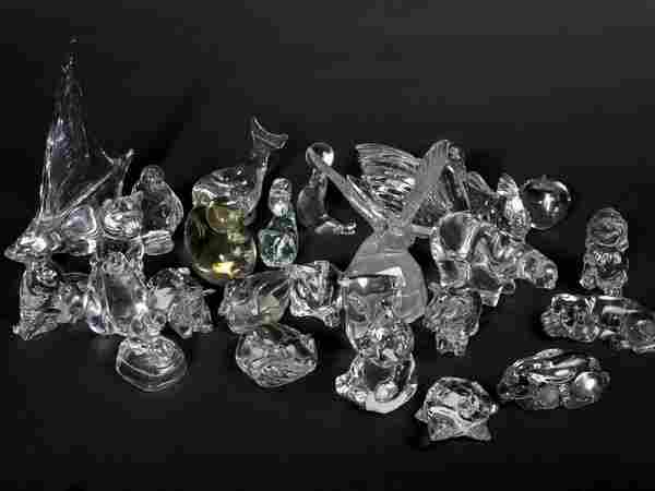 Large collection of glass animals and birds, Vill