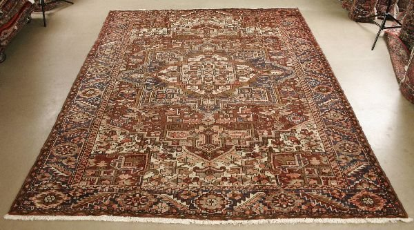 1011: Persian Heriz Rug