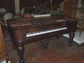 1020: ROSEWOOD RECTANGULAR PIANO