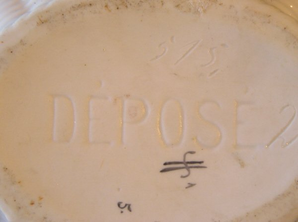 5: Porcelain Lidded Container 204 - 2