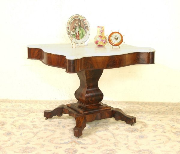 18: Mahogany Marble Top Table 692-43