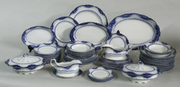 1023: 72 pc. Raleigh Alfred Meakin Flo Blue Dinnerware