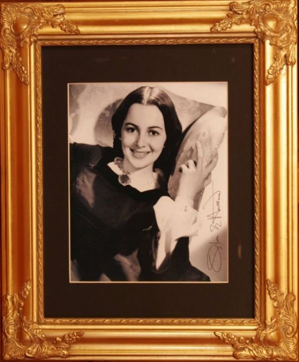 2022: OLIVIA de HAVILLAND SIGNED PHOTOGRAPH