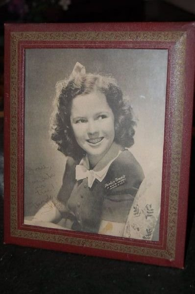 2023: SHIRLEY TEMPLE TOYS AND SIGNED PICTURE - 2