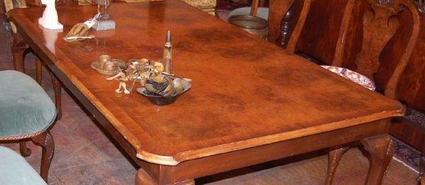 3010: QUEEN ANNE BURL WALNUT DINING TABLE