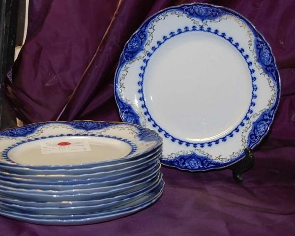 19: ALFRED MEAKIN RALEIGH PATTERN FOL BLUE PLATES