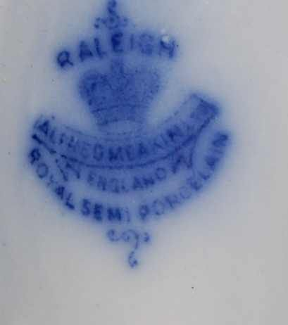 23: ALFRED MEAKIN RALEIGH PATTERN FLO BLUE PLATES