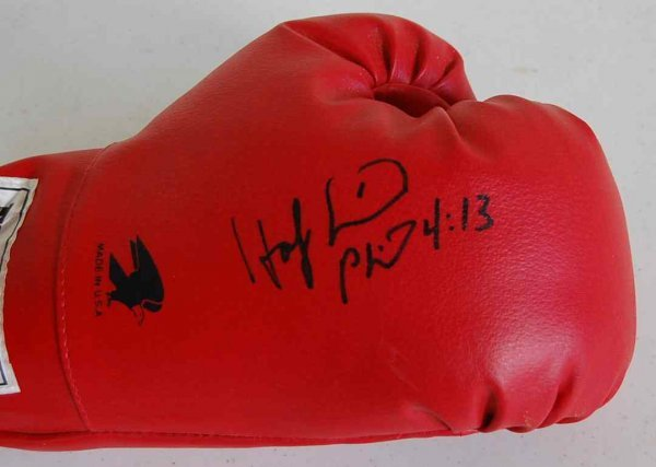 19: EVANDER HOLYFIELD AUTOGRAPHED BOXING GLOVE