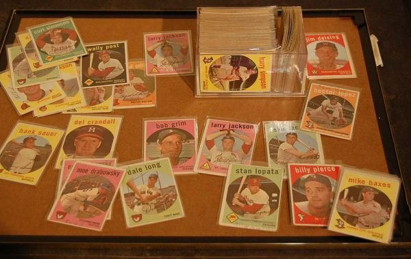 204: APPROX 150 1959 TOPPS BASEBALL CARDS