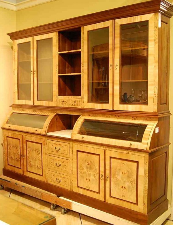 1016: CUSTOM MADE COUNTRY STORE CABINET