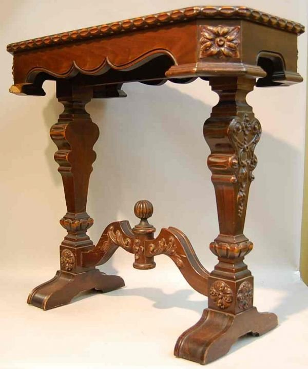 10: BAROQUE TRESTLE BASE SIDE TABLE