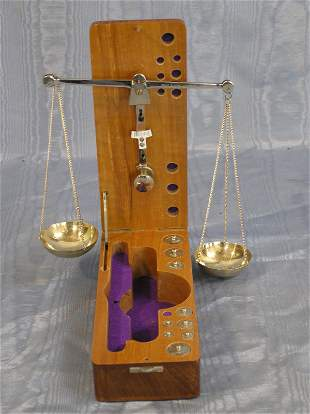 23: Set of Scales in a Wood Box