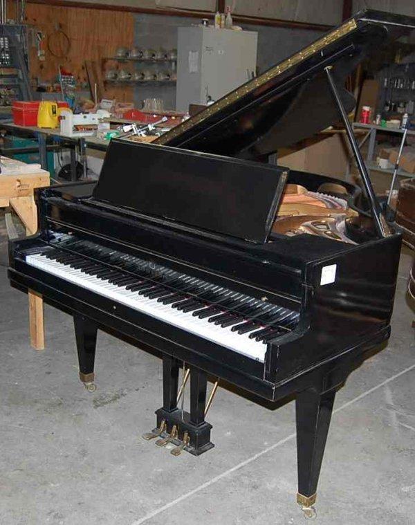 """20: STORY & CLARK 4'10"""" BABY GRAND PIANO"""