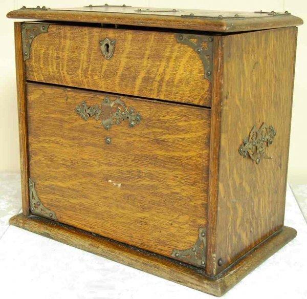 1009: ENGLISH OAK LETTER BOX