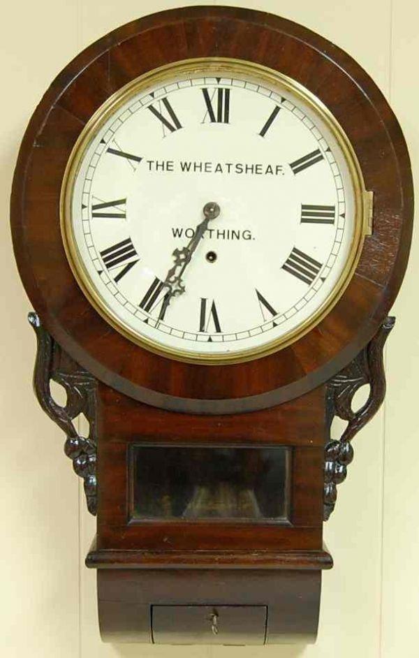 1019: ROUND DIAL ENGLISH WALL CLOCK
