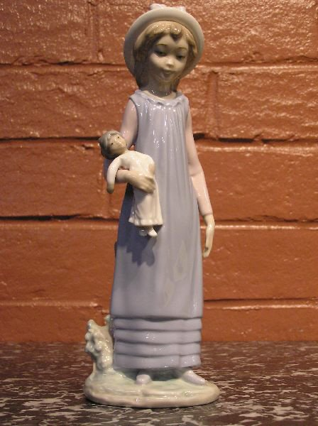16: Lladro Figure of a Girl and Her Doll  813-6