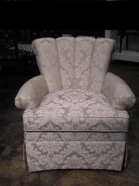 20: Upholstered Chair  906-51