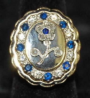 21: VINTAGE DIAMOND & SAPPHIRE FLOWER RING