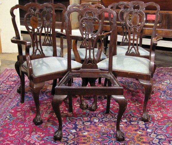 14: Set of 6 Chippendale Mahogany Chairs
