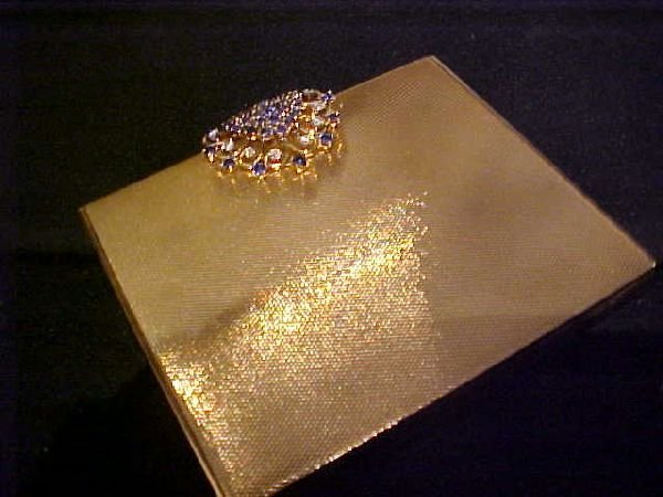 11: Van Cleef and Arpels 14k Gold Box w/Diamond Clasp