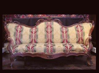 69: Victorian Sofa 191-9