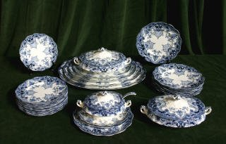 7: Blue & White China Set 455-90