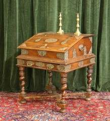 Lift Top Desk with Brass Applications 460-31