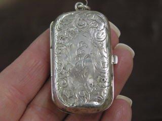1018: Sterling Silver Locket Monogramed #553