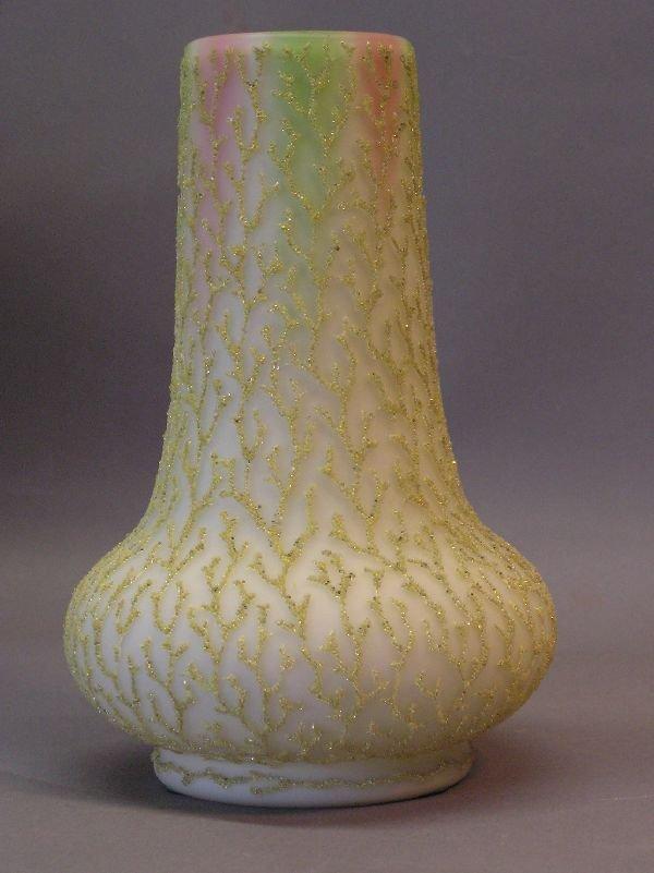 13: Mt. Washington Corelene Vase