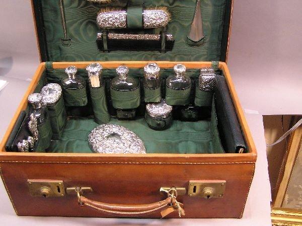 201: Mappin & Webb Traveling Dresser Set