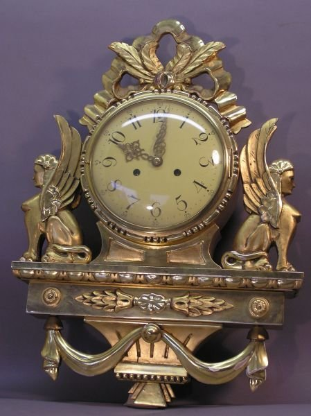 1009: Scandinavian Gold Leaf Sphinx Wall Clock