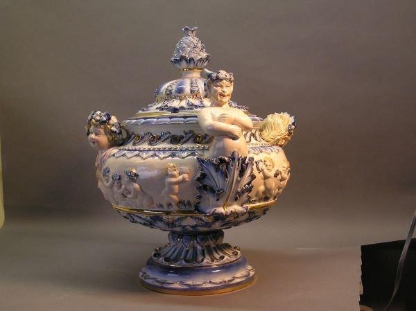 1047: Capodimonte Soup Tureen  - 2
