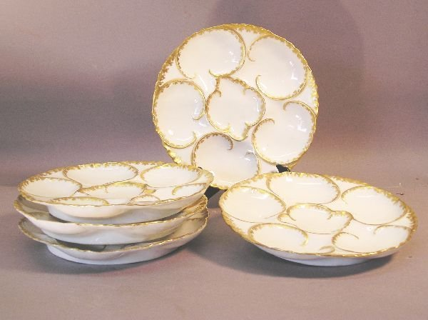 1009: Set of FIve Oyster Plates