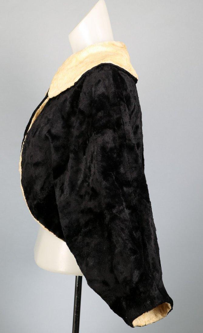 c1930 Black and Cream Faux Fur Caplet - 2