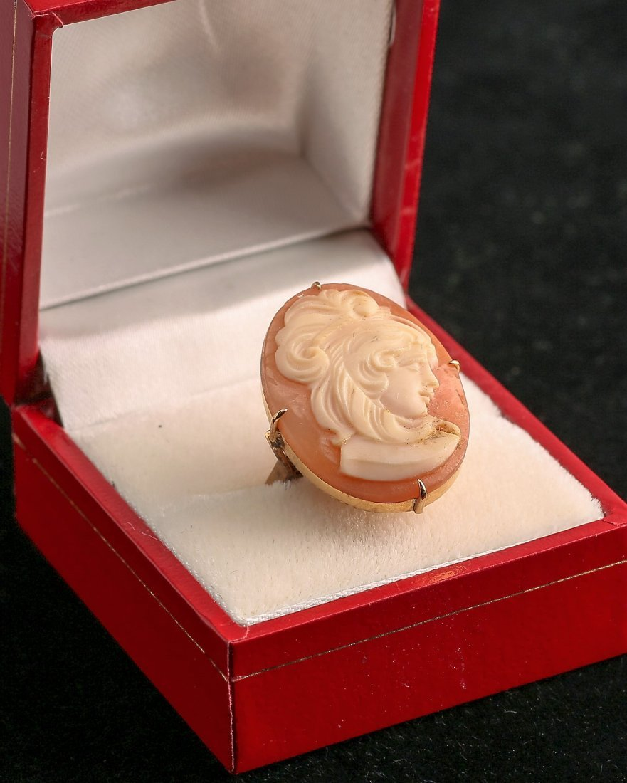 Antique 14K Gold Cameo Ring