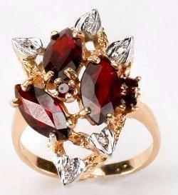 Very Nice 14k Gold, Diamond & Garnet Ring