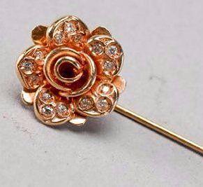 Beautiful 18k Gold & Diamond Flower Stick Pin JM