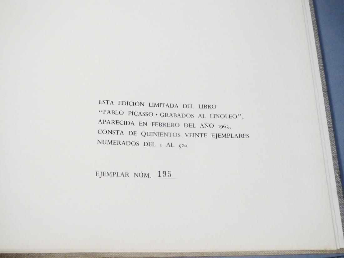 Pablo Picasso-Grabados Al Linoleo, 1963 Book Linocuts - 3