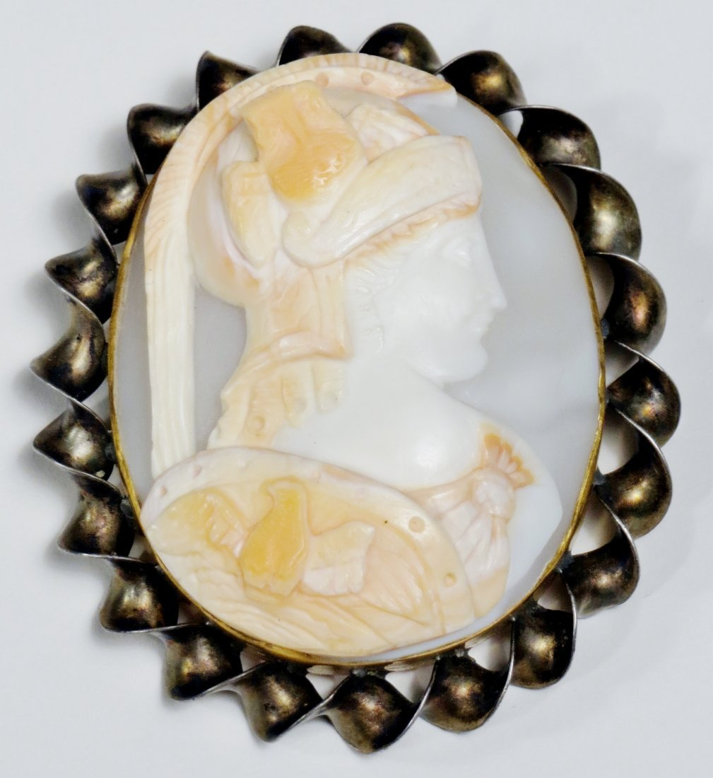 Antique 10K Gold Gladiator Cameo Brooch