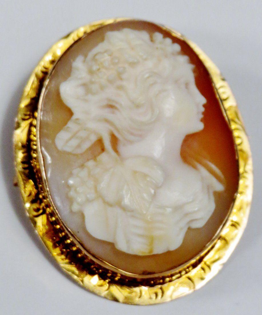 Antique 14K Gold Hard Shell Cameo Pendant/Brooch