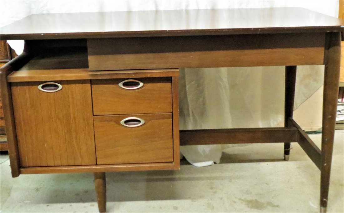 Hooker Mid-Century Modern Desk,