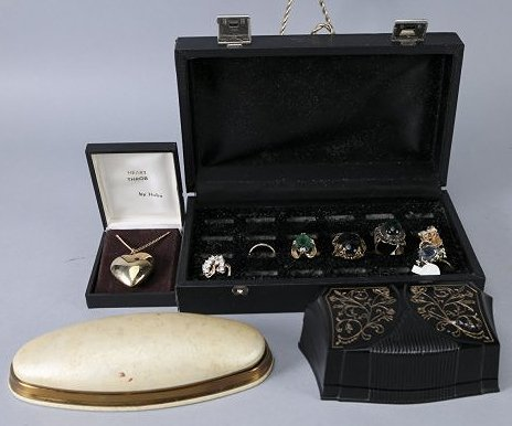Vintage jewelry box and ring lot