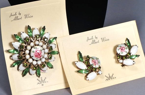 Nice Brooch and earring set by Weiss with Original Card