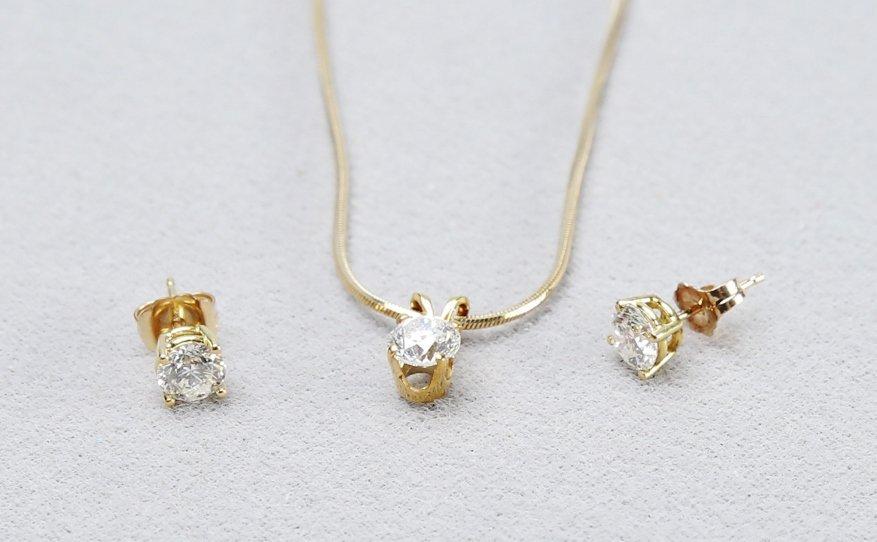 18K Gold & Diamond Earrings & Pendant - 3