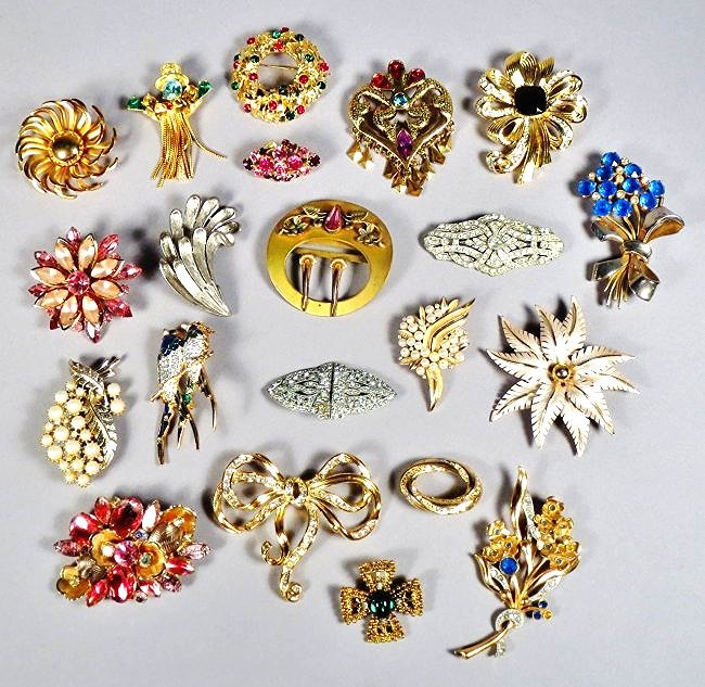 Lot of brooches Arts-n-Crafts, Art Deco Costume Jewelry
