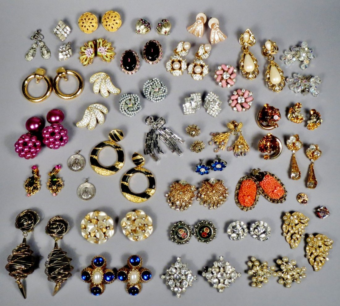 Mixed lot of mostly screw back earrings 1 30 plus sets