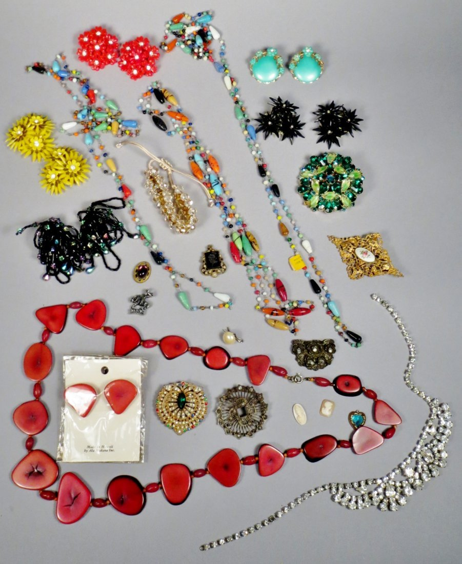Mixed lot of costume jewelry - 6